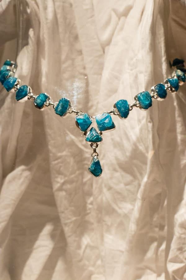 Collier 42 cm - pierre Apatite bleue